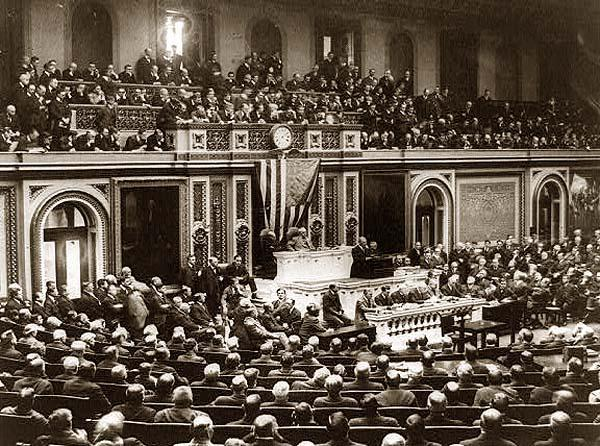 Addressing-Congress-Woodrow-Wilson